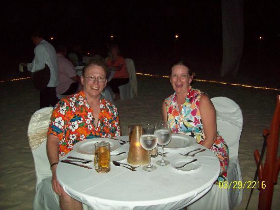 Panama Jack Resorts - Gran Caribe Cancun: steak, lobster, live music, the sea and great service