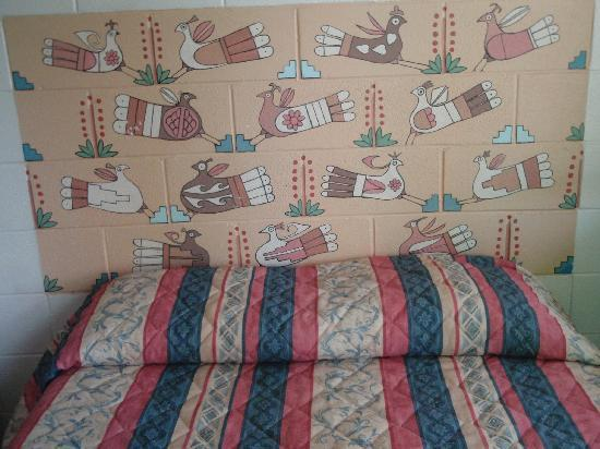 Taos Trail Inn: cool wall art