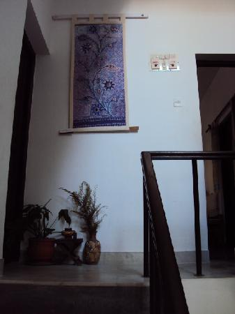 Vatika Guest Home: Exquisite tapestry in the stairwell
