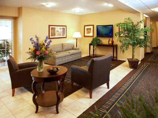 Candlewood Suites Mount Pleasant: Lobby