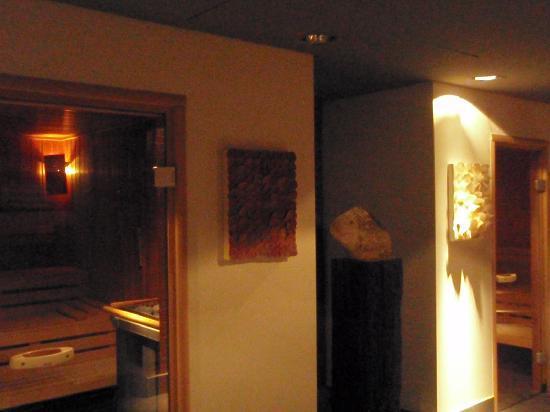 Mövenpick Hotel Hamburg: Saunas, SPA