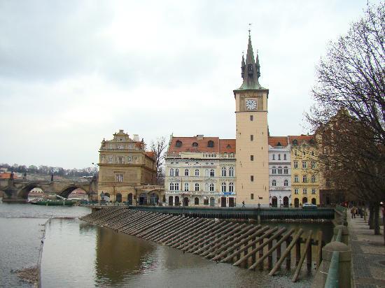 Hotel Leonardo Prague: tout proche de l'hotel