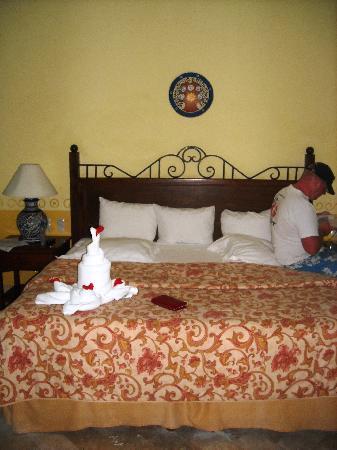 Occidental Cozumel: bed frog
