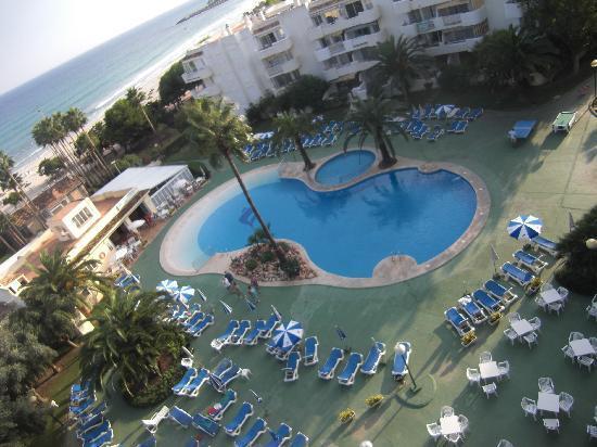 Hotel Palia Sa Coma Playa: pool view from all rooms