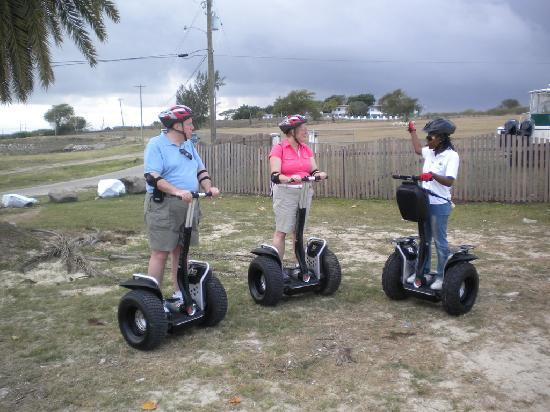 Segway Antigua Tours: Sade was and excellent and friendly guide