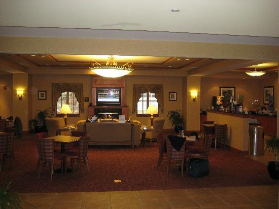 Hampton Inn Easton: Breakfast/Lobby area