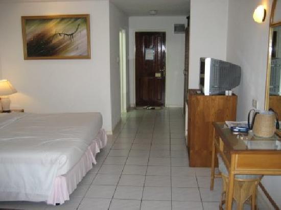 Holiday Island Resort & Spa: looking towards the rear door