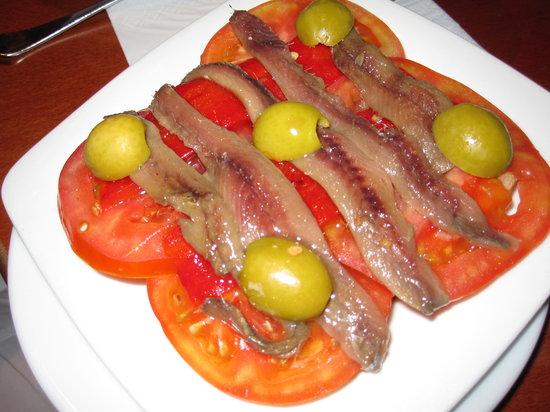 Ciudad Condal Restaurant: ansjovis en tomaat op brood