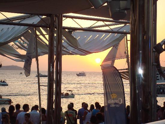 Alua Hawaii Ibiza: couché de soleil café del mar