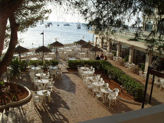terrasse hotel photo de alua hawaii ibiza sant antoni de portmany tripadvisor. Black Bedroom Furniture Sets. Home Design Ideas