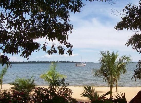Goretti's Beachside Pizzaria and Grill: View Of Lake Vic from Goretti's