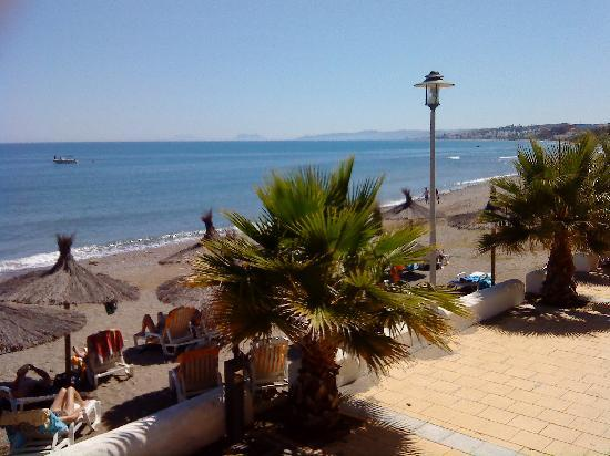 H10 Estepona Palace: View out over the beach.