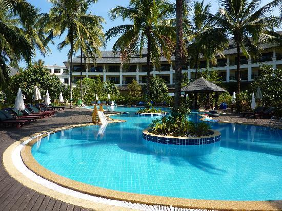Khaolak Orchid Beach Resort: The main pool at Orchid Beach