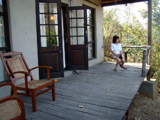Mahua Vann Resort: the deck outside