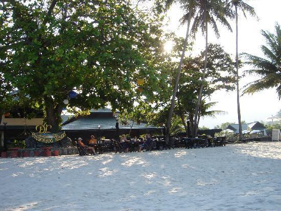 Koh Phangan Dreamland Resort: Dreamland Resort from the beach