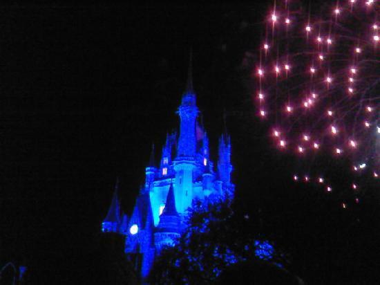 Disney's All-Star Music Resort: Fuegos artifiales en Magic Kindom