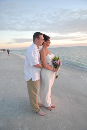 Tropic Isle Beach Resort: Wedding of our Dreams