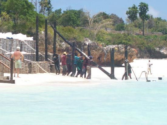 Diamonds La Gemma dell' Est: foto lavori in spiaggia