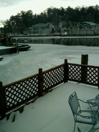 Saugatuck, MI: View Up river from our Suite