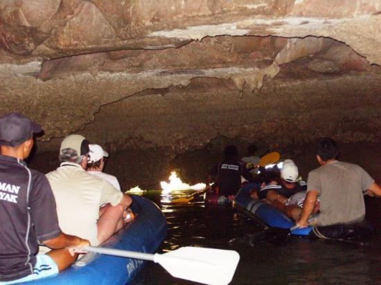 Phang Nga Bay: inside cave with kayak