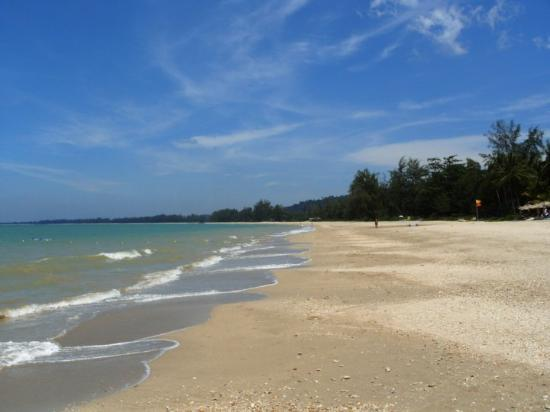 Takua Pa, Thailand: Pak Weep Beach - our own beach without any other hotels or visitors ;-)