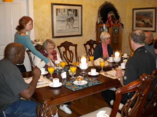 Centennial House Bed and Breakfast: Our 2nd day we had 3 new couples join us for breakfast