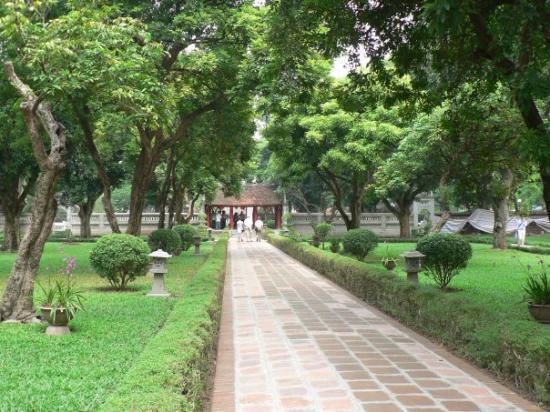 Litteraturtempelet og nasjonalt universitet: The Great Middle Gate, Temple of Literature - Hanoi