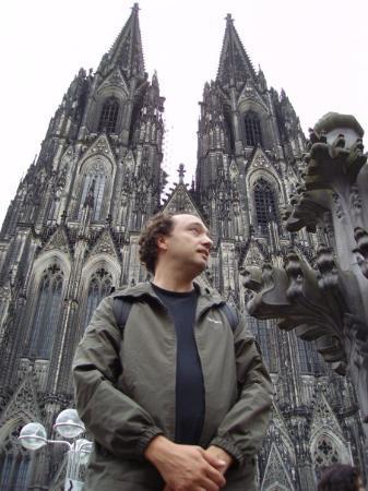 Cologne-katedralen: i love germany and bratwurst....