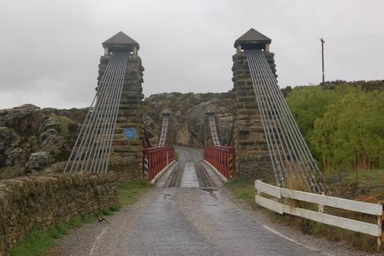 Ranfurly, New Zealand: Suspension bridge