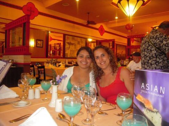 Hotel Riu Santa Fe: My Sinha Lazo and I at the Japanese restaurant.