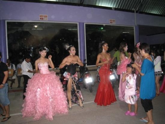 Krabi, Thailand: Lady boys:)
