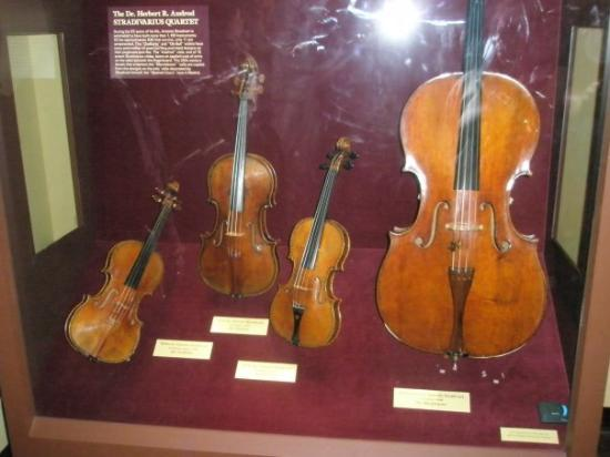 National Museum of American History: Artie took this picture of violins...for his Dad's wife, Luz.  I don't remember the signigicance