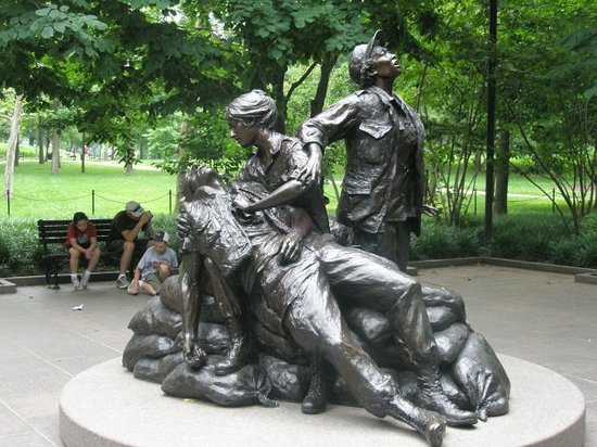 Vietnam Women's Memorial : memorial to the nurses that served in the Vietnam War