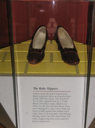 National Museum of American History: Judy Garland had LARGE feet for a young teenage girl!  Heck, they were big feel for a GROWN WOMA