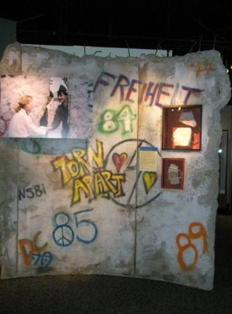National Museum of American History: a piece of The Berlin Wall