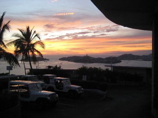 BellaVista: Sunset at bella Vista