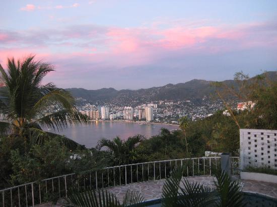 BellaVista: Acapulco Bay from bella Vista