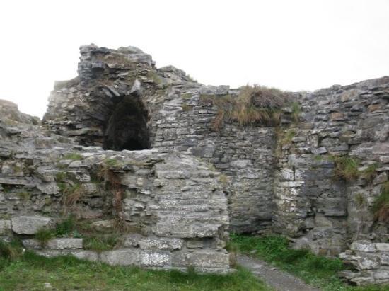 Aberystwyth, UK: tunnel and archway