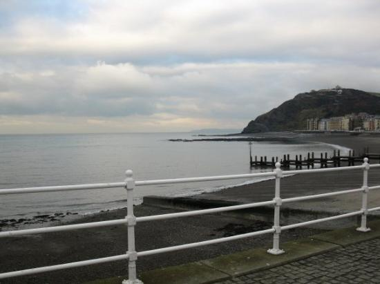 Aberystwyth, UK: Cardigan Bay -- my hotel is in those buildings along the shore