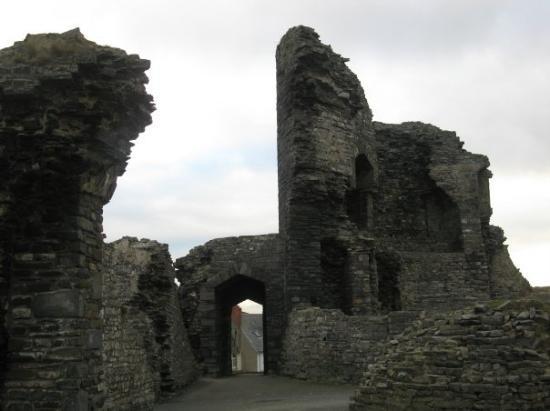 Aberystwyth, UK: Main tower ruins