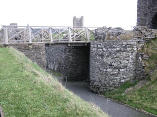 Aberystwyth, UK: Bridge to Aber Castle