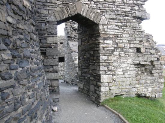 Aberystwyth, UK: Aber Castle archway into courtyard