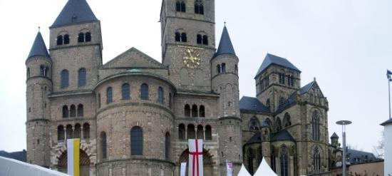 St. Peter's Cathedral (Dom): Trier Cathedral.