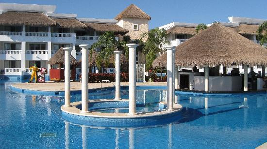 Grand Sunset Princess All Suites Resort: The Fantasy Bar