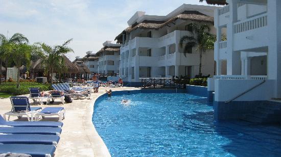 Grand Sunset Princess All Suites Resort: Swim-up suites