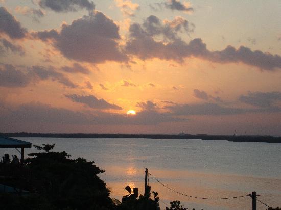 Silver Leaf Villa and Cabana: Sunset