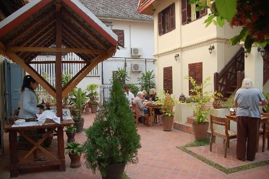 Villa Saykham: breakfast area