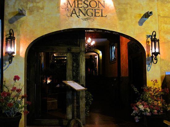 Meson Del Angel: Entrance