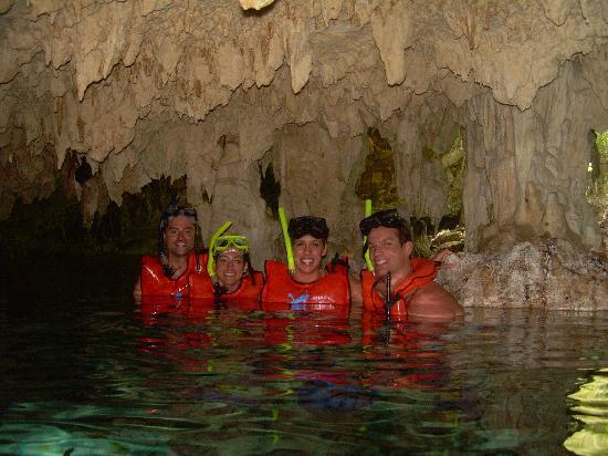 Edventure Tours: Snorkeling in Dos Ojos Cenote