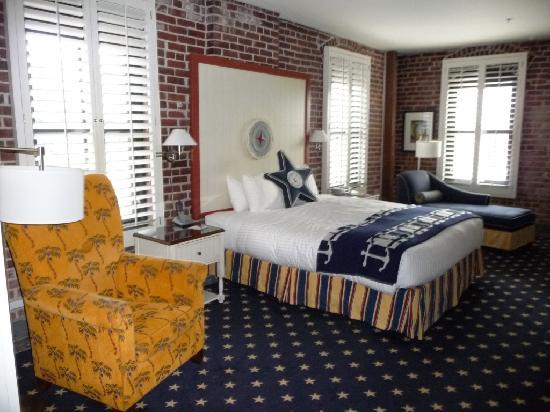 Argonaut Hotel, A Noble House Hotel: bedroom with king bed
